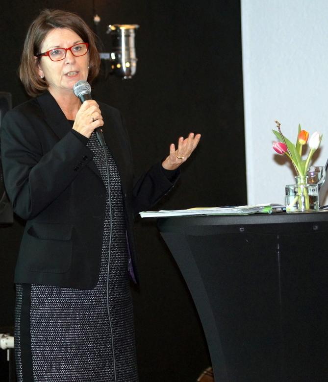 Umweltministerin Priska Hinz stellte in Griesheim den hessischen Klimaschutzplan vor.