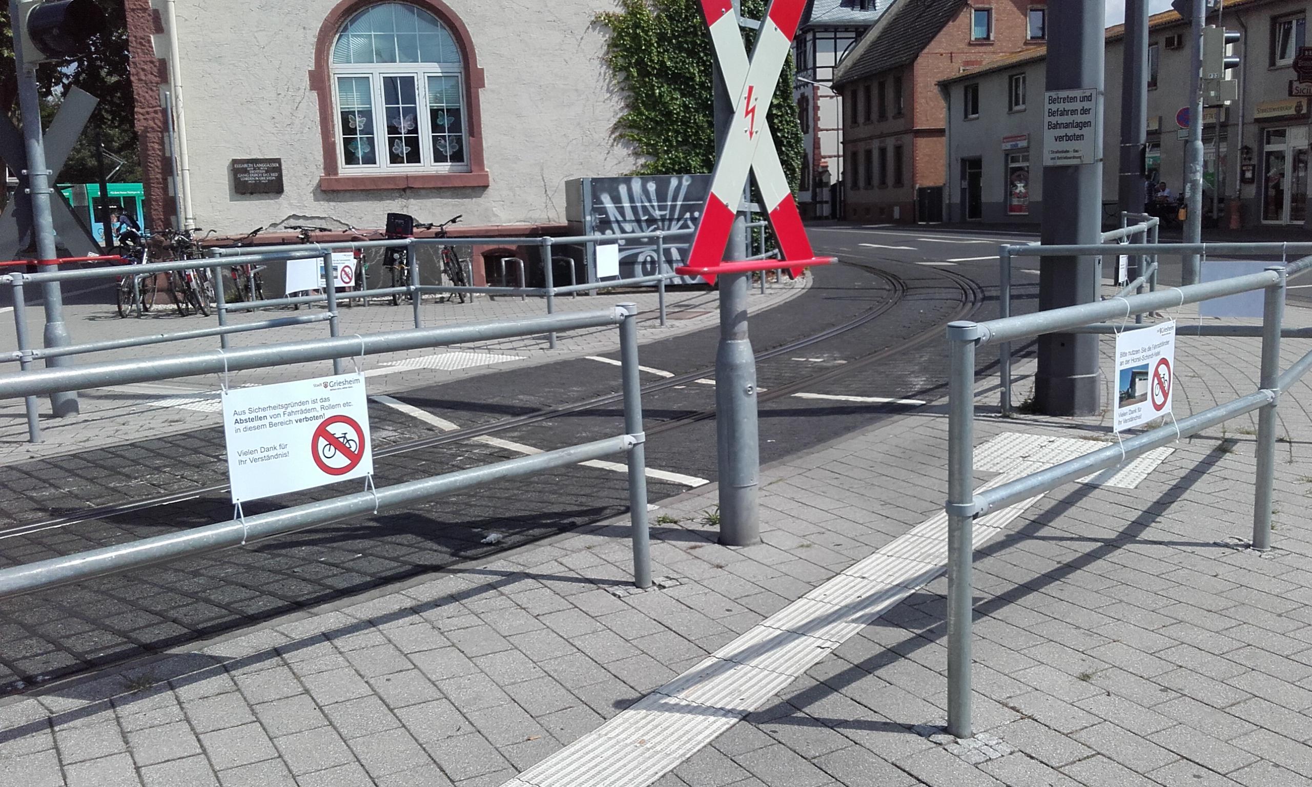 Es ist höchste Zeit für mehr Fahrradabstellplätze am Platz Bar-le-Duc
